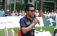 HLV Hồng Sơn háo hức đào tạo các cầu thủ nhí theo hình mẫu danh thủ thế giới