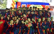 Nước mắt xen lẫn niềm vui trong lễ tri ân và trưởng thành của teen Mỹ Việt