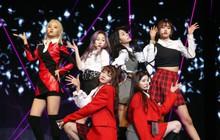 """Vừa tung MV debut, nhóm tân binh có """"thành viên hụt của IZ*ONE"""" bị so sánh với BLACKPINK ở điểm này"""