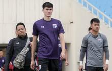 Hai thần đồng bóng đá Thái Lan thoải mái thích ứng sân Mỹ Đình trước ngày đấu U23 Indonesia