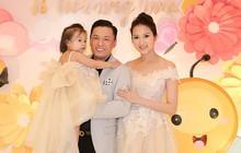 Vắng mặt tại ngày sinh nhật tròn 2 tuổi của con gái, Lam Trường bù đắp bằng buổi tiệc muộn hoành tráng