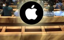 Ghế vàng nhạt nhẽo có giá bằng cả cái ô-tô, phải chăng vì nó được đặt ở sân khấu của Apple?