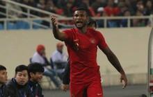 """Hành động cực xấu xí của cầu thủ Indonesia khi đội tuyển Việt Nam ăn mừng bàn thắng """"vàng"""" ở phút bù giờ"""
