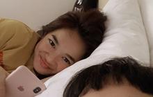Bị đồn là đang yêu Kaity Nguyễn, Trang Hý liền đăng 1 bức ảnh đáp trả làm hội FA bối rối