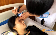 Cô gái 21 tuổi bị mù một bên mắt chỉ vì không rời mắt khỏi thứ này suốt cả kỳ nghỉ
