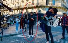 Trấn Thành và Hari Won khoá môi nhau đắm đuốt giữa đường phố Paris nhưng Trịnh Thăng Bình mới là tâm điểm chú ý