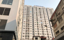 Hà Nội: Bé trai 4 tuổi rơi từ tầng 11 chung cư xuống mái che tầng 1, phải nhập viện cấp cứu