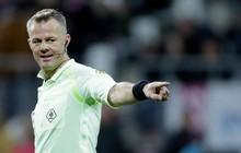 Vì sao chỉ có một trọng tài được điều khiển trận đấu bóng đá?