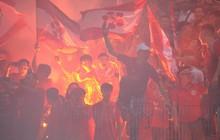 """VFF giải thích lý do """"treo"""" sân Hàng Đẫy, không thể phạt CĐV Hải Phòng đốt pháo sáng"""