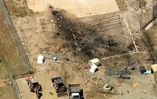 Máy bay ném bom rơi trúng nhà tù, phi công tử nạn