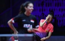 Nữ tay vợt số 1 thế giới ngượng chín mặt, khiến đối thủ cười không nhặt được miệng sau màn vào thi đấu mà quên mặc đồ