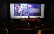 """Cô giáo """"phá đảo"""" MXH khi ra tay bao nguyên rạp phim và thuê xe đưa đón cả lớp xem Avengers: End game"""