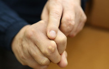 Chuyên gia chỉ cách kiểm tra sức khỏe thông qua những dấu hiệu bất thường ở bàn tay