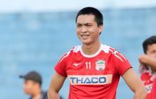 """Bi hài chuyện Tuấn Anh bị tiền đạo Hà Nội FC đến cầu thủ CLB TPHCM """"cướp"""" bàn thắng thứ 8000 tại V.League"""