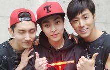 Hội fanboy và fangirl Kpop thành công nhất hệ mặt trời: Cuối cùng cũng được trở thành đồng nghiệp với idol!