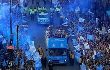 Những khoảnh khắc đẹp trong lễ diễu hành mừng cú ăn 4 danh hiệu nội địa của Man City