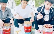 Anh trai nhà người ta trong truyền thuyết: Hàng ngày mang cơm đến trường cho em trai, thích ăn món nào nấu ngay món đó!