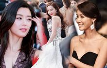 """Nữ minh tinh xứ Hàn lên thảm đỏ Cannes: Jeon Ji Hyun và """"mẹ Kim Tan"""" gây choáng ngợp, nhưng sao nhí này mới đáng nể"""