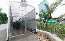"""Nhiều tuyến phố ở Hà Nội xuất hiện những """"ngôi nhà di động"""" cho xe rác"""
