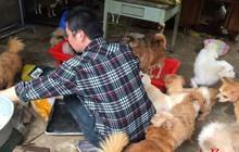 Người đàn ông cưu mang chó hoang đến 'tán gia bại sản', bố mẹ nghỉ hưu cũng quay lại làm việc phụ con trả nợ