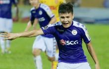Lạ lẫm hình ảnh Quang Hải phản ứng mạnh với trọng tài trong ngày Hà Nội FC thất bại trước Nam Định