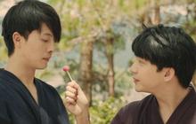 """Harry Lu và B Trần """"thân thiết"""" tới mức, mời nhau ăn... kẹo mút?"""