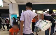 """Đăng ảnh mỉa mai 2 bố con đi máy bay đựng hành lý trong bao tải, người đàn ông hứng """"cả rổ"""" chỉ trích của cộng đồng"""