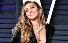 """Chuỗi ngày thiếu nghị lực của Miley Cyrus tiếp diễn: Đến cả ca khúc mới còn trong vòng bí mật cũng """"bị"""" mang ra hát!"""