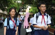 """Kỳ thi tuyển sinh lớp 10: Giá xăng tăng vào đề thi trường Năng khiếu, thí sinh """"dễ thở"""""""
