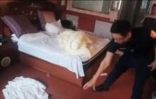 Không thấy trả phòng, nhân viên khách sạn lên kiểm tra phát hiện 4 du khách ngất lịm chỉ bởi sai lầm dùng xe ô tô của chính các nạn nhân