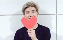 Ai thương ARMY Việt như trưởng nhóm RM (BTS): Chỉ một từ thôi mà khiến fan ấm lòng!