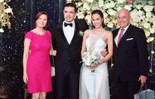 Lần đầu tiên Vbiz có cô dâu mặc jumpsuit cưới, táo bạo nhất là chi tiết xuyên thấu ngay vòng 1