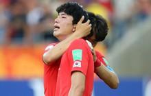 Đội bóng quê hương HLV Park Hang-seo ôm nhau khóc nấc khi thua ngược ở chung kết đấu trường World Cup