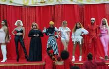 """Thuyết âm mưu dày đặc trong 1 cảnh """"You Need To Calm Down"""": vì sao Taylor Swift lại chọn những nữ nghệ sĩ này?"""