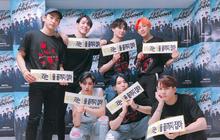 """Đại gia đình JYP dự concert GOT7: TWICE vắng mặt vì bận, """"bố Park"""" cả gan """"quẩy banh"""" khán đài"""