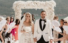 Sau 9 năm bên nhau, anh chàng cầu thủ điển trai cùng cô Hoa hậu xinh đẹp này đã về chung một nhà sau đám cưới đẹp như mơ