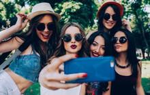 """""""Tội ác"""" của selfie đối với thế hệ trẻ: Nỗi ám ảnh ngoại hình lấy phẫu thuật thẩm mỹ làm giải thưởng thỏa mãn"""