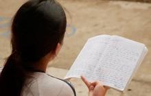 Nữ sinh thi THPT quốc gia bị nhầm tên, thầy cô phải nhờ đò chuyển gấp giấy khai sinh
