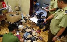 Hà Nội: Đột kích hàng loạt quán bar lúc nửa đêm, thu giữ hơn 10.000 quả bóng cười
