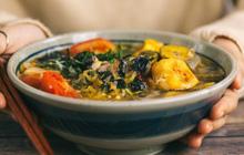 Triệt để như người Việt Nam: Cả cây chuối to vậy mà đến 2/3 dùng cho việc... ăn