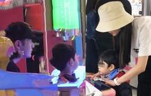 Vì đâu truyền thông chỉ bắt gặp Angela Baby chăm con, còn Huỳnh Hiểu Minh luôn mất hút?