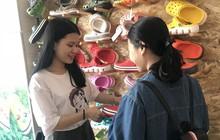 Nữ sinh Đà Nẵng biết đỗ thủ khoa trong lúc đang đi làm thêm