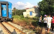 Thiếu quan sát khi băng qua đường sắt, hai nữ sinh lớp 10 ở Hải Dương bị tàu hỏa tông thiệt mạng