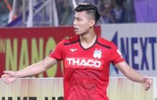 Văn Thanh không hài lòng, phản ứng với ban huấn luyện khi bị thay ra giữa trận gặp Hà Nội FC