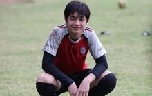 Nụ cười toả nắng của cầu thủ Thái Lan viral MXH: Mới lớp 8 đã đẹp trai điên đảo, nữ sinh tiếc hùi hụi vì không kịp chuyển trường