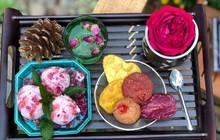 """Quán kem hoa độc đáo nằm cạnh cà phê Triệu Đóa Hồng nức tiếng Đà Lạt: Làm thủ công đầy màu sắc, luôn """"cháy hàng"""" trước khi trời tối"""