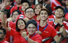 Diễn viên Bình An đẹp trai rạng ngời trong ngày đến Singapore tiếp lửa MU đánh bại Inter Milan
