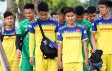 Tuyển thủ U23 Việt Nam than khó khi biết sẽ phải đá sân cỏ nhân tạo ở SEA Games 2019