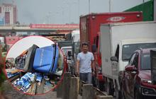 Ảnh: QL5 ùn tắc kéo dài, hàng ngàn phương tiện chôn chân dưới nắng nóng sau vụ tai nạn kép khiến 6 người tử vong ở Hải Dương