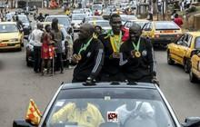 Chuyện chỉ có ở châu Phi: Sau khi bắt chính chung kết cúp châu lục, tổ trọng tài Cameroon hưởng đặc quyền hiếm thấy trong lịch sử bóng đá
